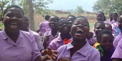 Malawi-school-girls