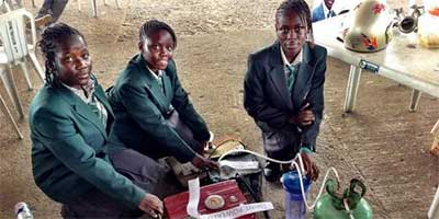 Teenage-girls-have-invented-a-urine-powered-generator
